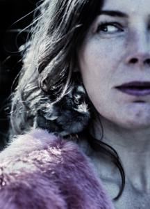 Esther Gerritsen op tour tijdens de Boekenweek